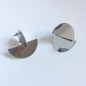 Half circular statement earring